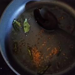 Mustard, curry & turmeric