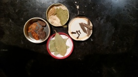 Spices that make the broth flavorful